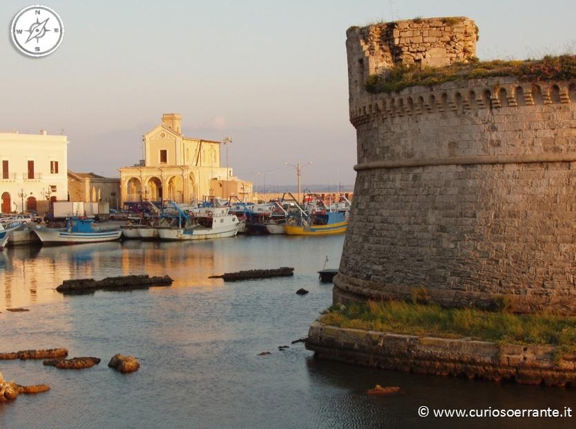 Gallipoli - Il rivellino e Chiesa Maria SS. del Canneto