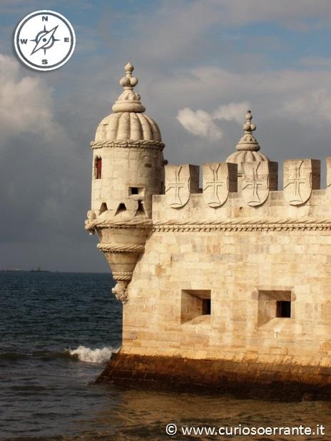 La torre di belem fortezza con feritorie per sparare