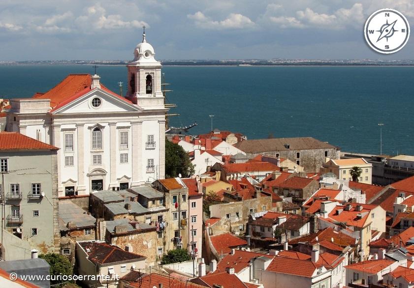 Lisbona - Alfama veduta del quartiere dall'alto