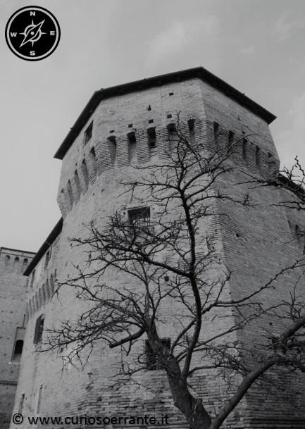 Torre Angolo ospita l'Armeria - Rocca Malatestiana