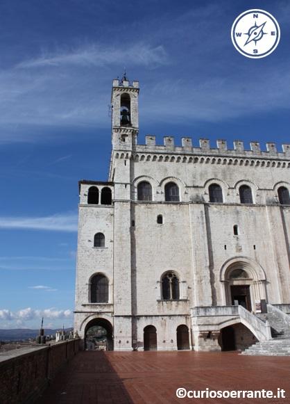 Piazza grande e Palazzo dei Consoli - Gubbio