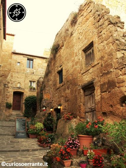 Civita di Bagnoregio - vie all'interno del centro storico
