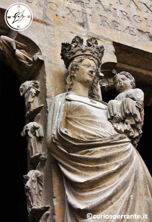 Cattedrale Notre Dame di Reims - vergine con bambino
