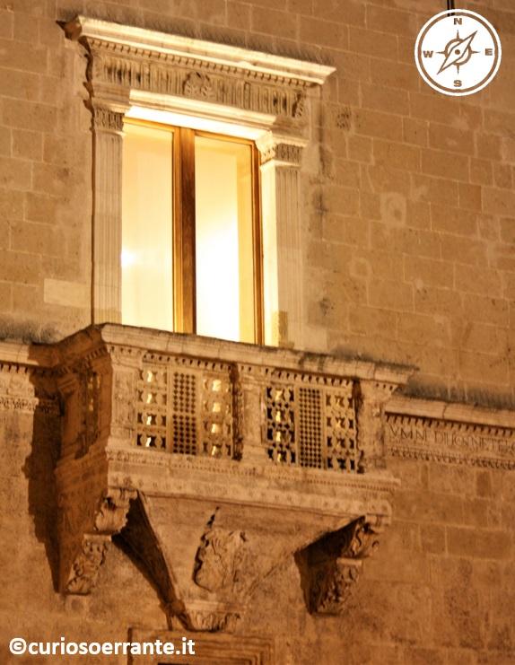 brindisi - balcone su palazzo granafei