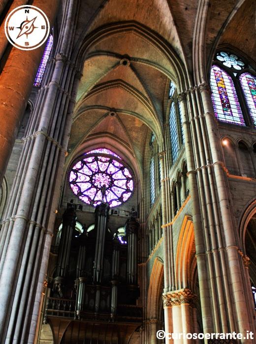 cattedrale di Notre-Dame di Reims - atmosfera gotica e arcate