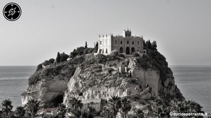 tropea - santuario di santa maria dell'isola di tropea