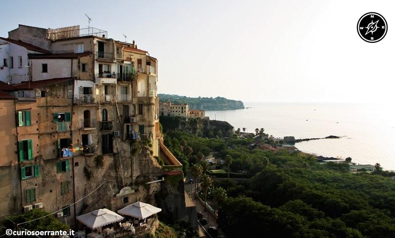 tropea - veduta della città sul mare