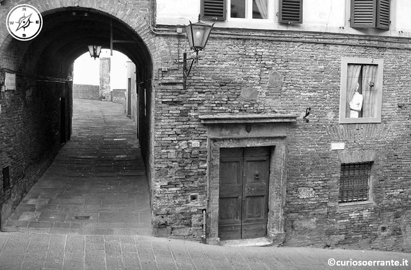 Vie e vicoli storici di Siena