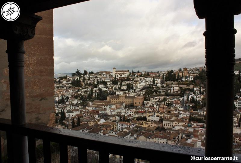 Alhambra - vista di Granada dall'alcazar
