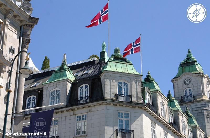 Oslo - Palazzi lungo il viale Karl Johans Gate