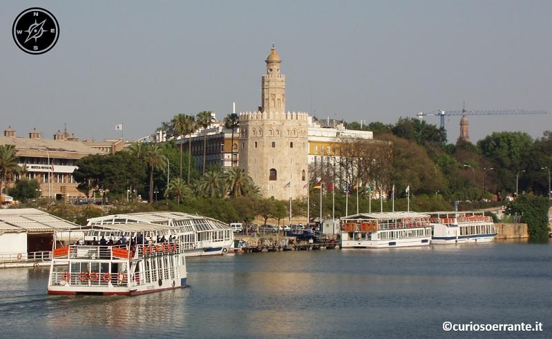 Siviglia - Torre del Oro sul Guadalquivir