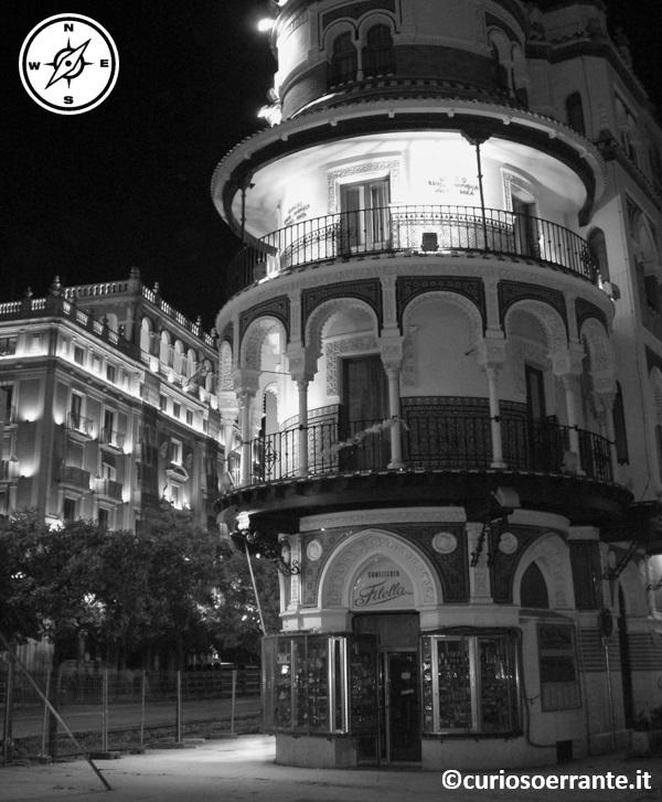 Siviglia - palazzo su avenida de la constitucion
