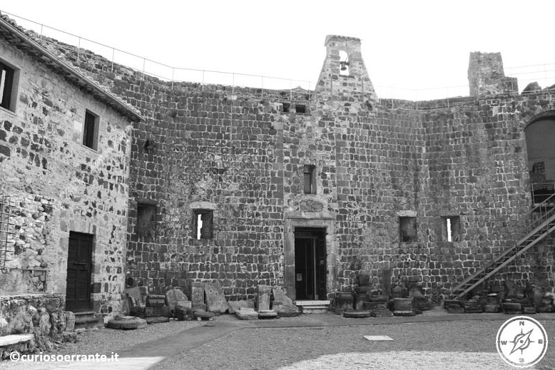 Interno del Castello della Badia presso Vulci
