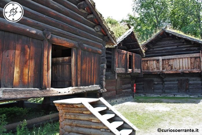 Norsk Folkenmuseum di Oslo - il villaggio di hallingdalstunet