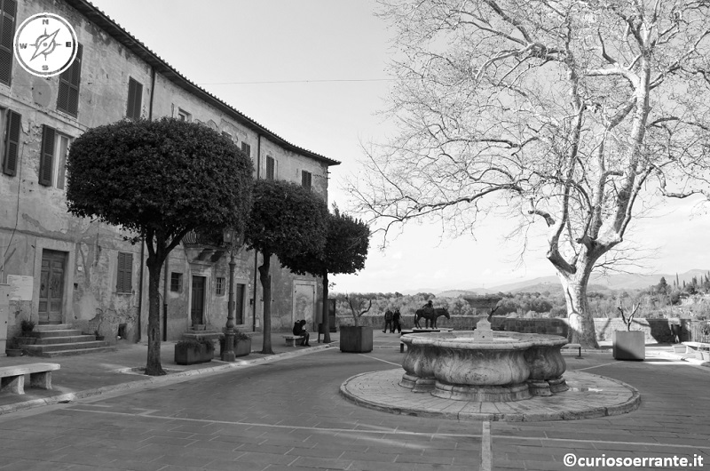 Piazza Fortezza - Pitigliano