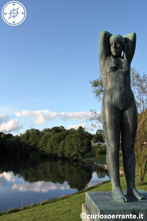 Vigelandsparken di Oslo - figure umane di Vigeland