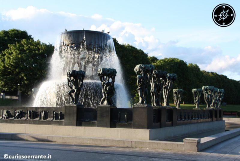 Vigelandsparken di Oslo - la fontana
