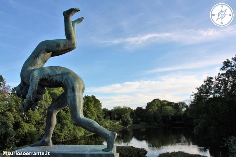Vigelandsparken di Oslo - le sculture umane