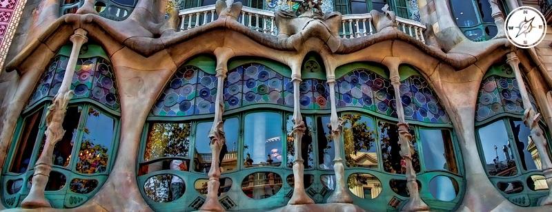 Particolare del palazzo Batllo di Barcellona - Antoni Gaudi