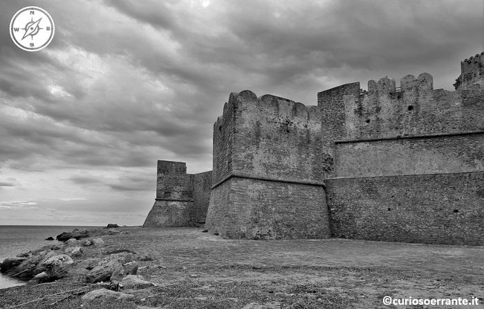 il castello aragonese di Le Castella Calabria 02