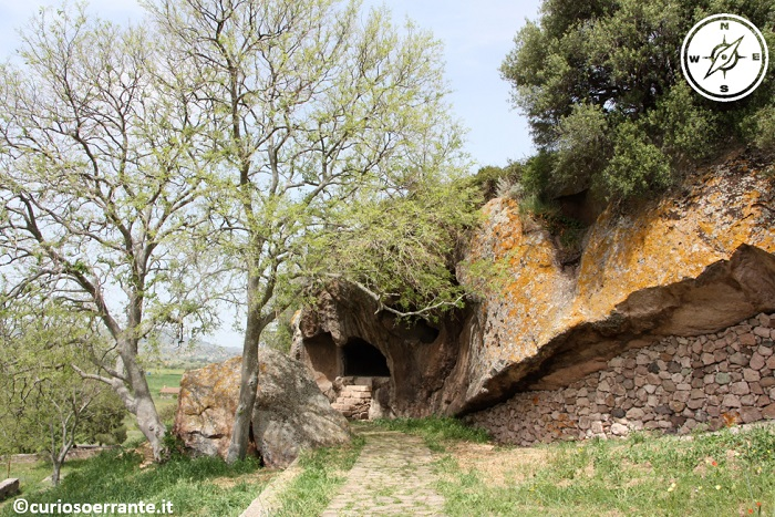Domus de jadas - necropoli di Sant'Andrea Priu entrata
