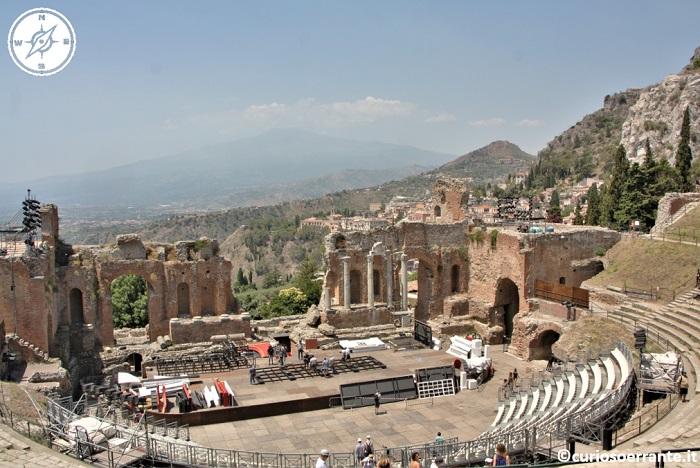 Taormina - Teatro greco con l'Etna sullo sfondo