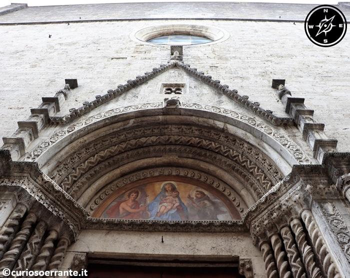 Ascoli Piceno - Entrata della Chiesa di San Francesco 10