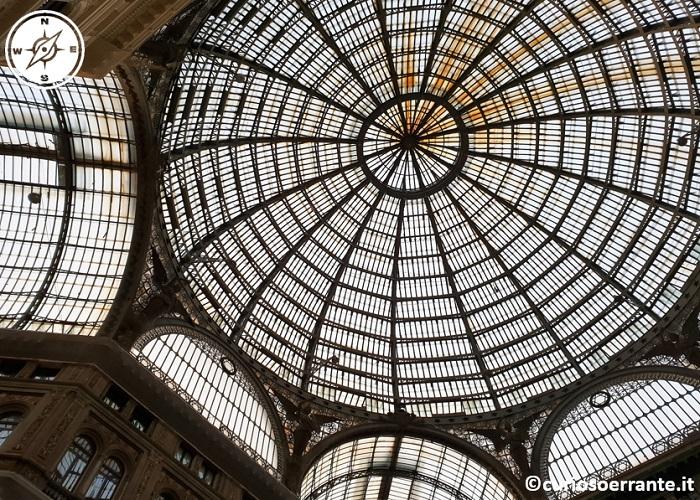 Galleria Umberto I di Napoli - cupola centrale in ferro e vetro