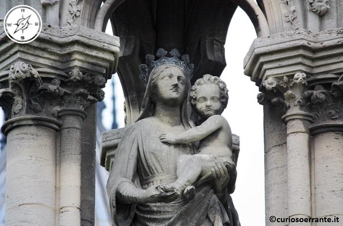 Parigi - Notre Dame - Madonna con bambino