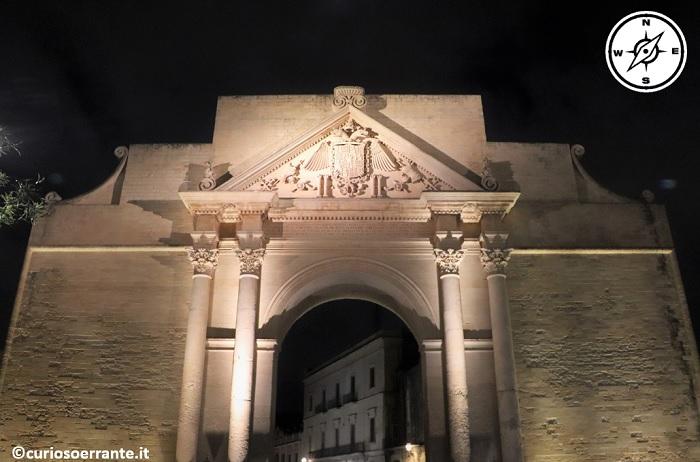 Lecce di notte - Porta Napoli