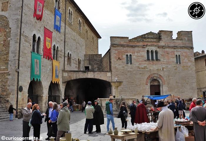 Il Mercato delle Gaite - Bevagna - Piazza Maggiore