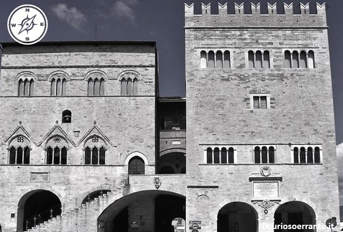 Todi - Palazzo del Popolo e Palazzo del Capitano