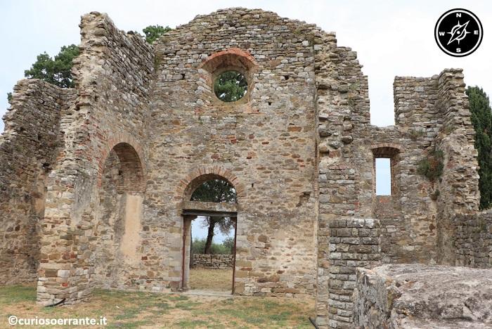Isola Polvese - rovine della chiesa di San Secondo