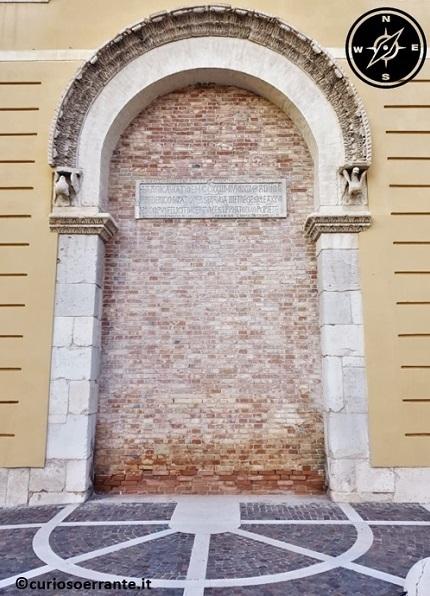 Foggia - Porta di Federico II