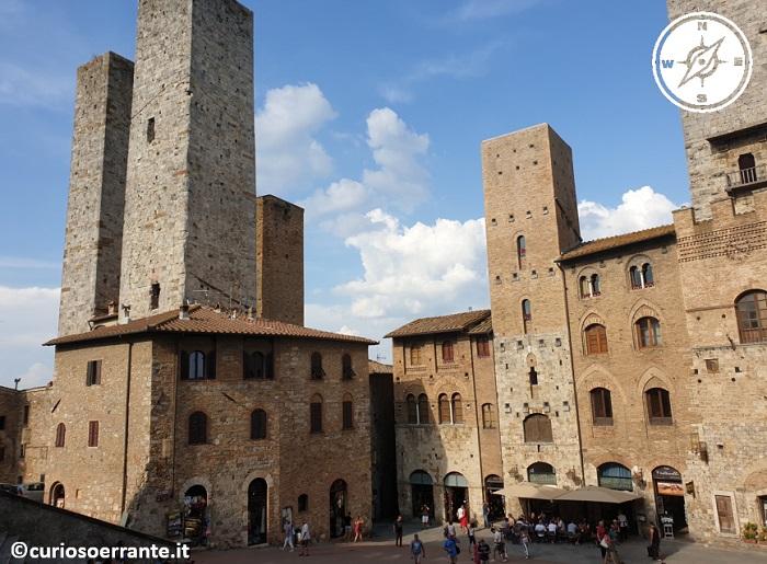 San Gimignano - Piazza del Duomo - le torri