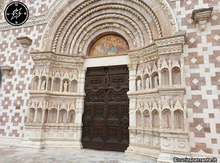 Basilica di Collemaggio - L'Aquila - portale