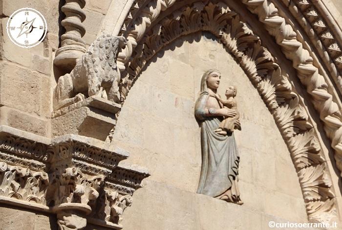Lanciano - La lunetta del portale della Chiesa di Sant'Agostino