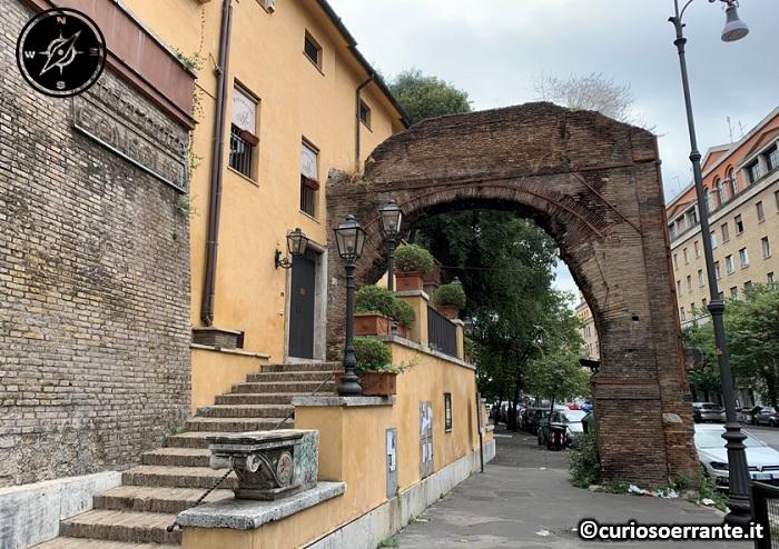 Roma Testaccio - Arco di San Lazzaro