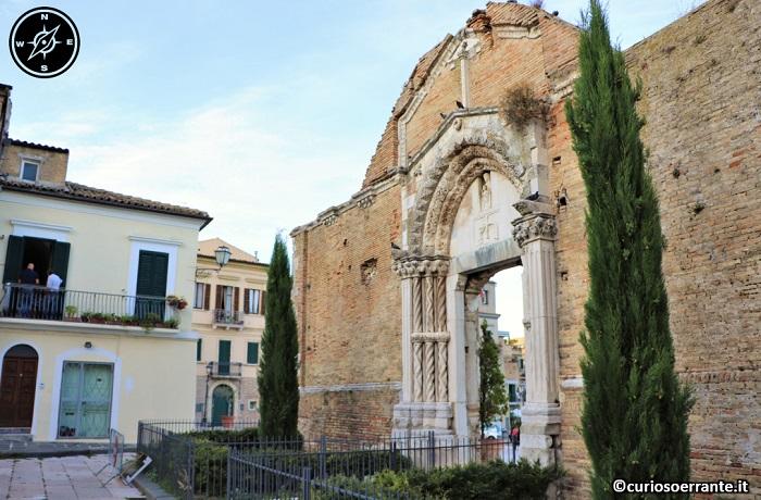 Vasto - Chiesa di San Pietro - resti