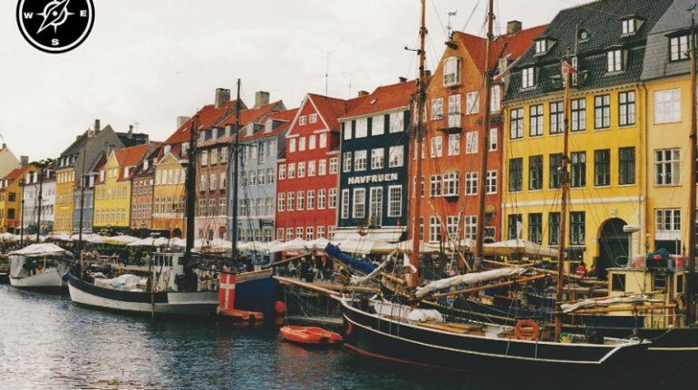 Nyhavn, i colori del canale di Copenaghen