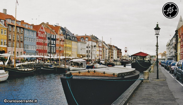 Nyhavn il canale nel centro storico di Copenaghen