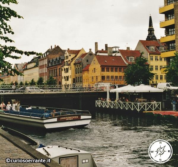 Nyhavn meta di turisti da tutto il mondo