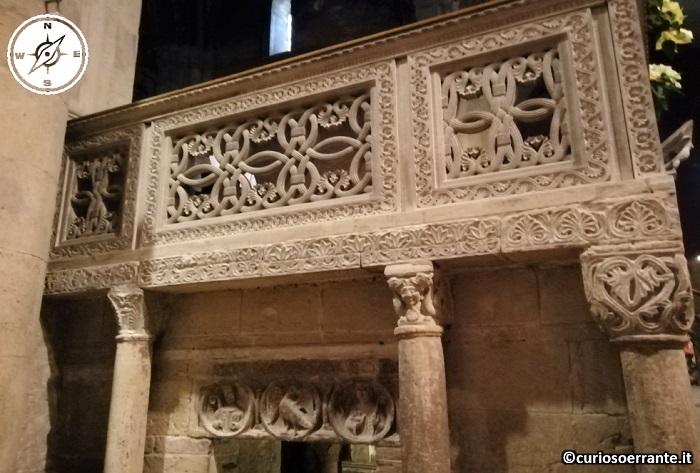 Pavia - Decorazioni interne nella Basilica di San Michele Maggiore