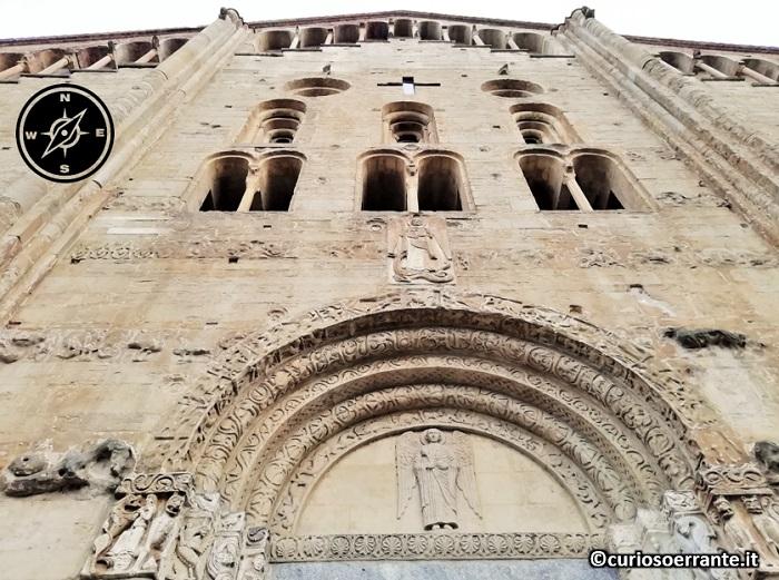 Pavia - Facciata della Basilica di San Michele Maggiore