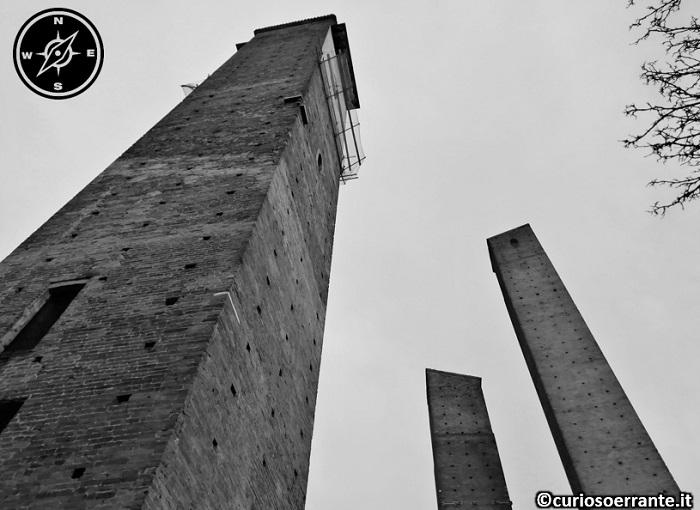 Pavia - Torri Medioevali vicino all'Università