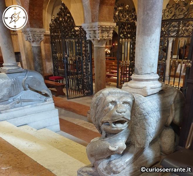 Modena - Duomo accesso alla cripta