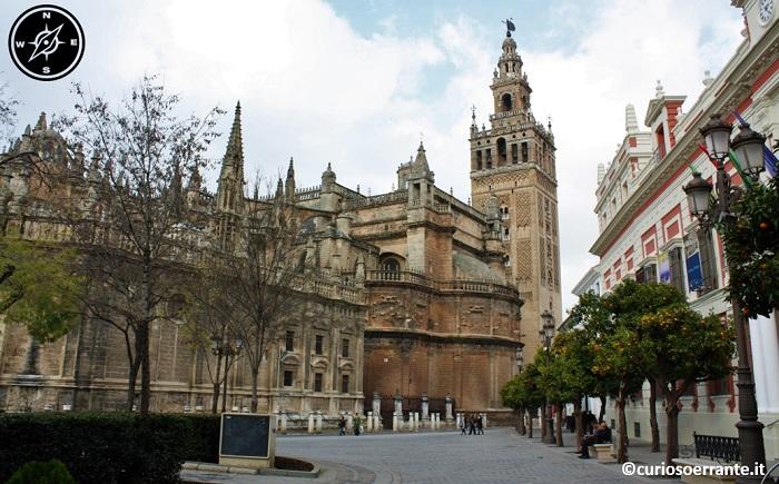 Siviglia - La cattedrale ed il quartiere di santa cruz