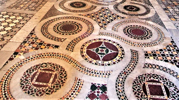 Anagni e la cattedrale di Santa Maria - pavimento cosmatesco