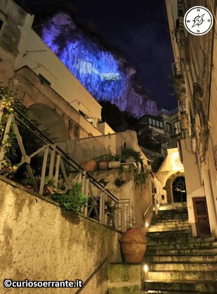 Atrani di notte - Viette tortuose con scalinate
