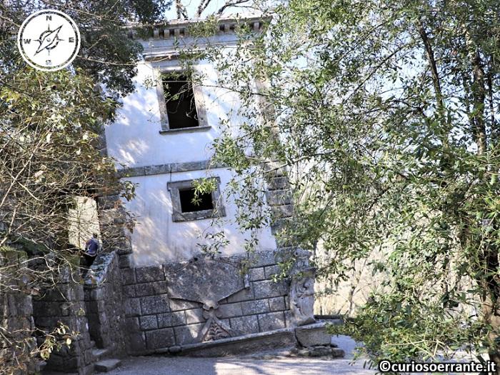 Il Parco dei Mostri di Bomarzo - La casa inclinata